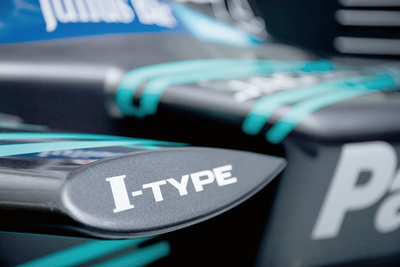捷豹车队I-TYPE车身Logo-捷豹回归Formula E赛道高清图片