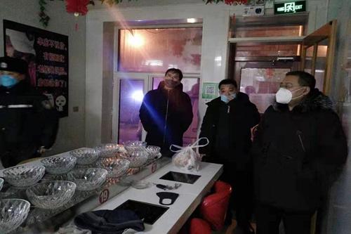 黑龙江省泰来县市场监管局综合执法大队坚守疫情防控一线开展工作