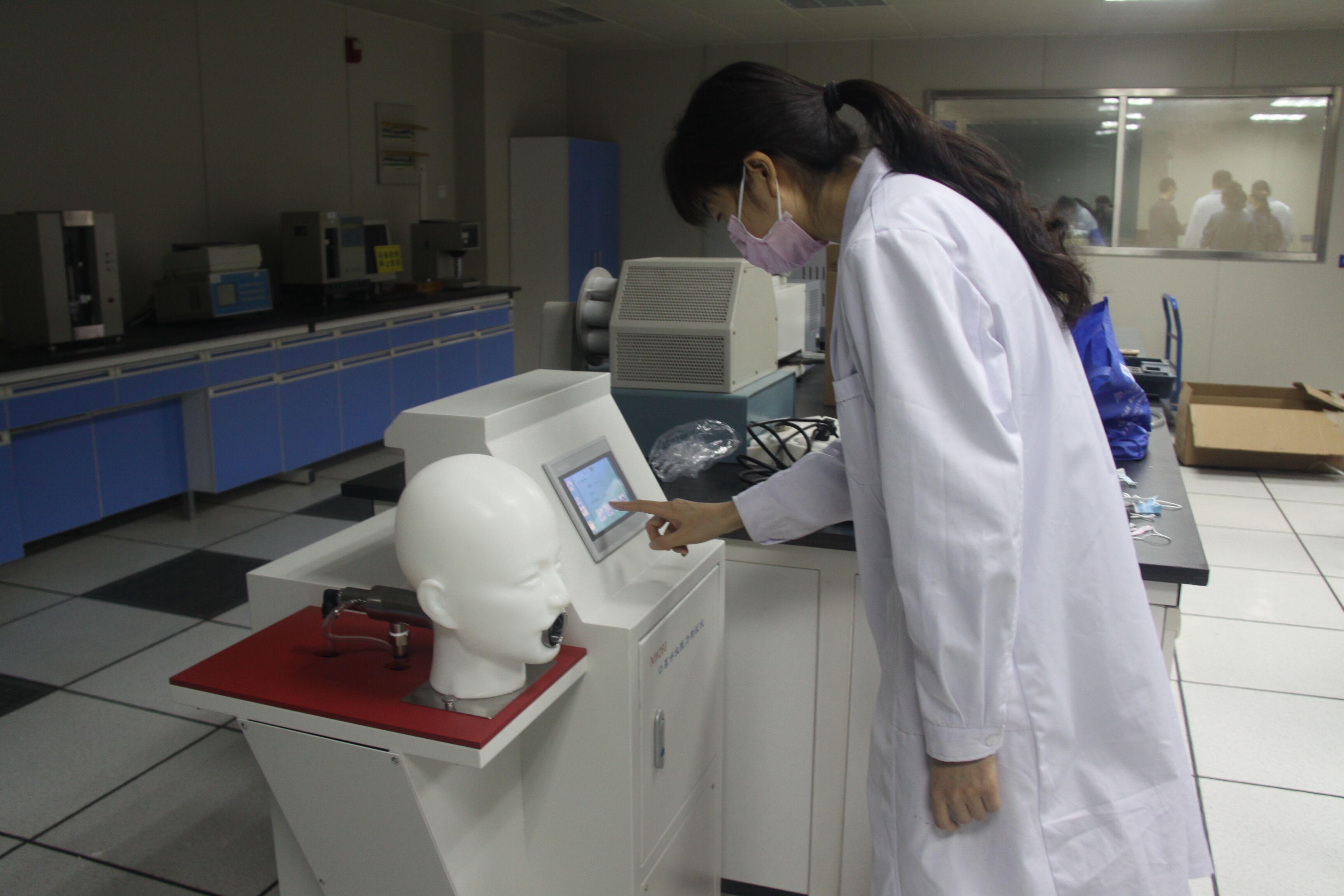 河南省纺织院发挥检测优势助力疫情防控