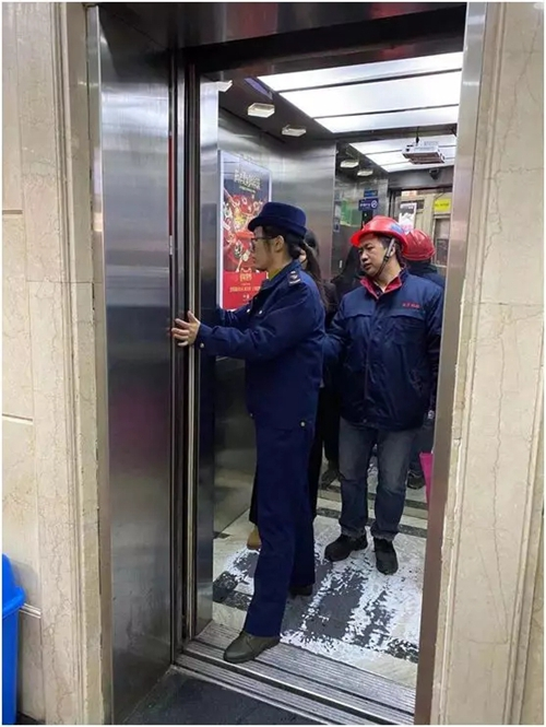 雪天更要严把关!江苏南京秦淮区